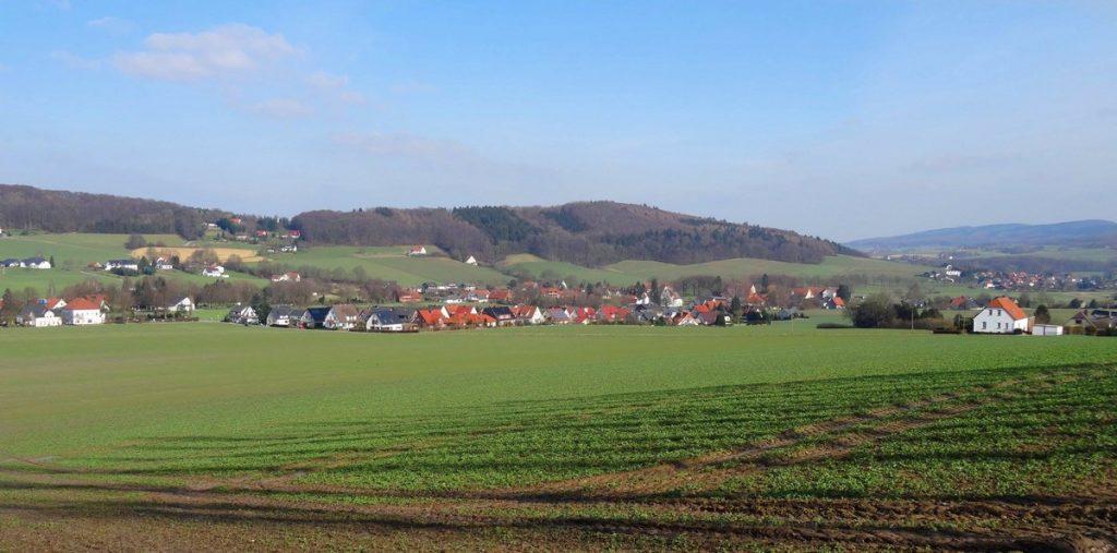 Blick auf Börninghausen am Eggetaler Panoramaweg