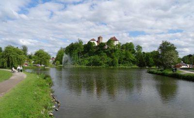 Schloss Iburg mit dem Charlottensee