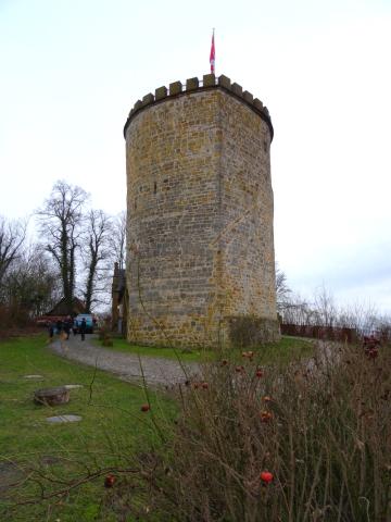 Der Burgturm der Burg Ravensberg.