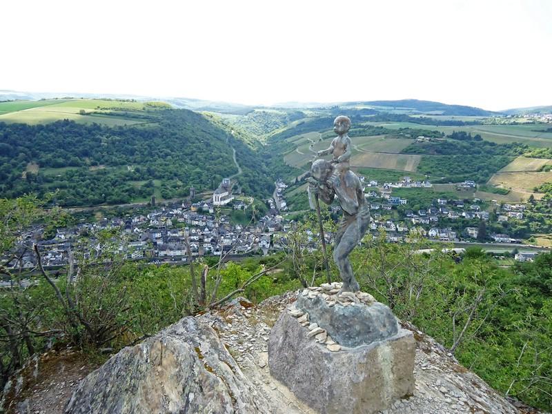 Statue nahe der Aussichtsplattform