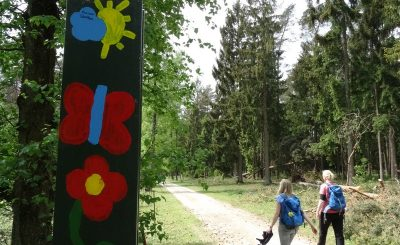 Fröhliche Deko am Wegesrand in der Wistinghauser Senne.