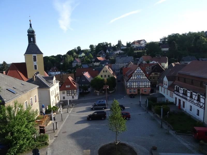 Blick auf den Marktplatz von Hohnstein mit unserer ersten Unterkunft.