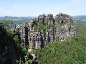Weitblick von den Schrammsteinen.
