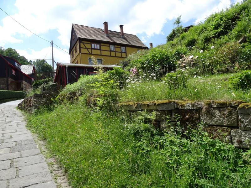 Wir durchqueren Pfaffendorf.