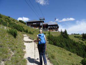 Die Bergstation der Wankbahn nimmt uns oben in Empfang.