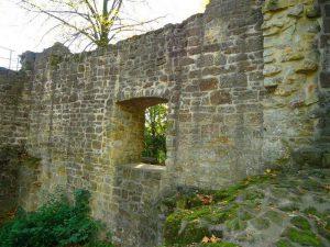 Die ursprünglichen Ausmaße der Burg können wir heute nur noch erahnen.