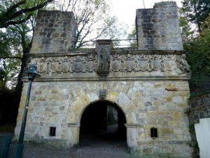 Das Burgtor des Krönchens.