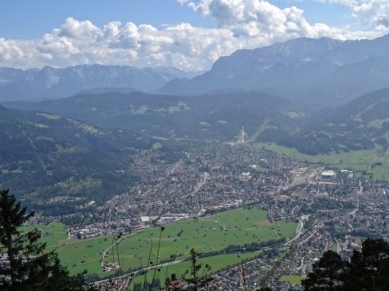 Einen feinen Blick auf Berg und Tal haben wir vom Königsstand aus!