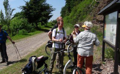 Wandern macht glücklich: Geselligkeit