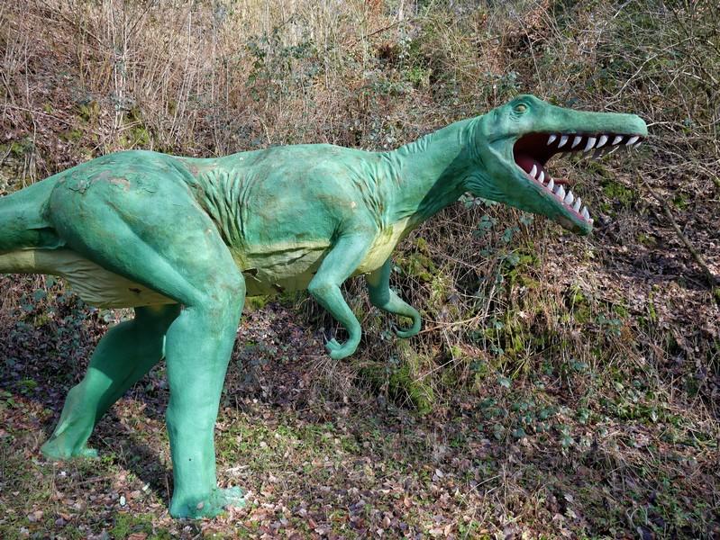 Zweite Dino-Skulptur bei den Saurierfährten