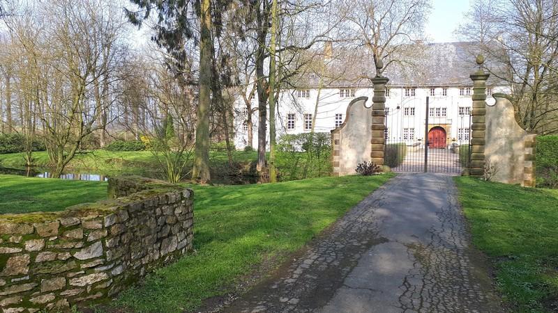 Das Bild zeigt das Hauptportal von Schloss Königsbrück.