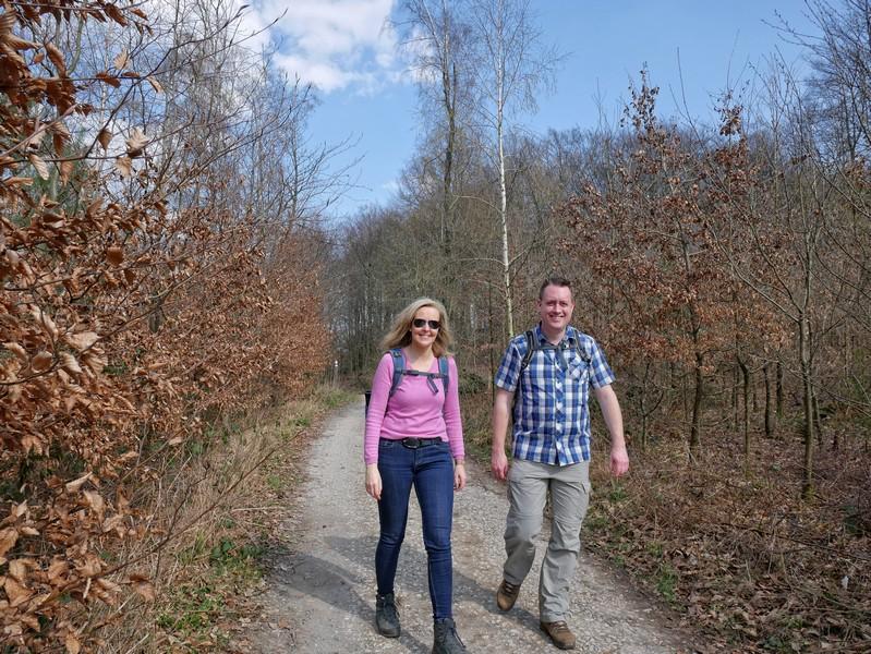 Meike und Ingmar auf den letzten Metern des TERRA.tracks Hüggelzwerge.