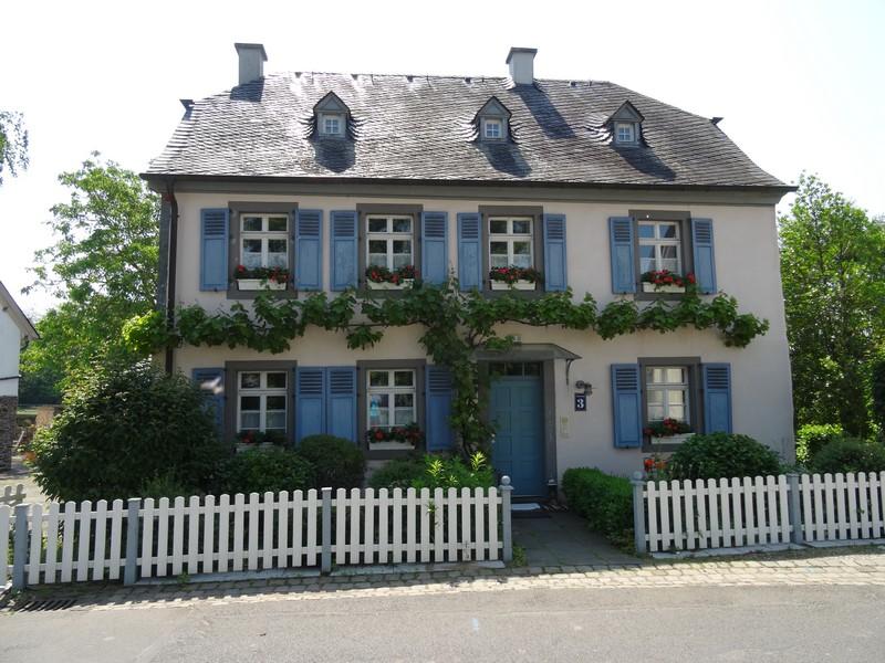 Das Bild zeigt ein Haus in Valwigerberg.