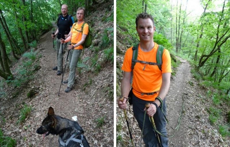 Das Bild zeigt Wanderer in der Briedener Schweiz auf schmalen Pfaden.
