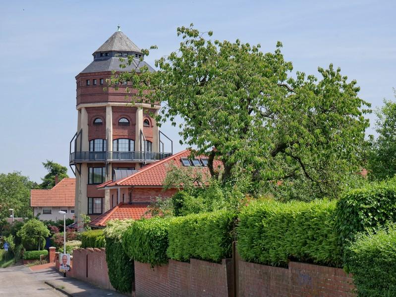 Das Bild zeigt den ehemaligen Wasserturm von Bramsche in der Nähe vom Hünenweg.