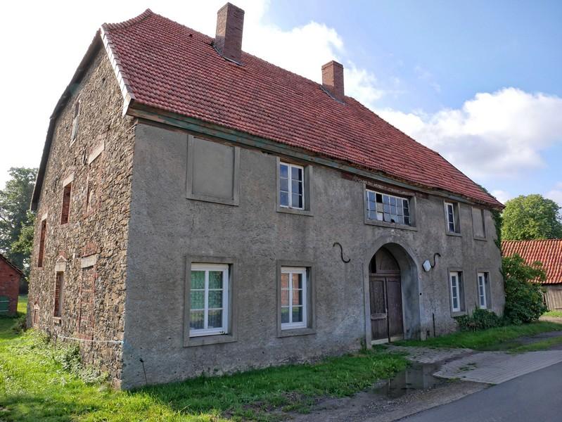 Das Bild zeigt eines der Häuser in der Straße Campemoor