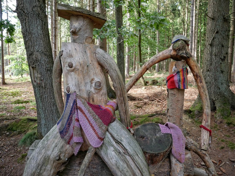 Baumkunst am Wegesrand