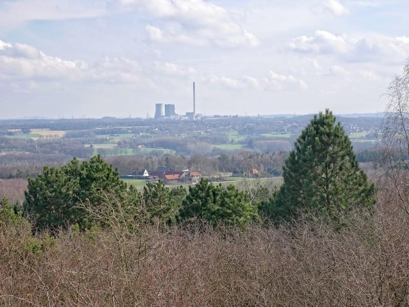 Unter anderem sehen wir natürlich auch das auf dem Dickenberg gelegene Kraftwerk Ibbenbürens.