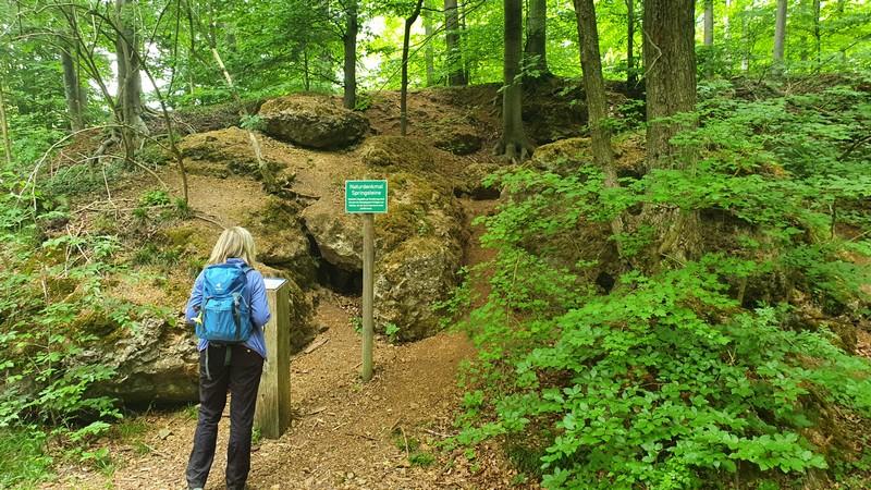 Unser Weg führt uns als Nächstes an den Springsteinen vorbei.