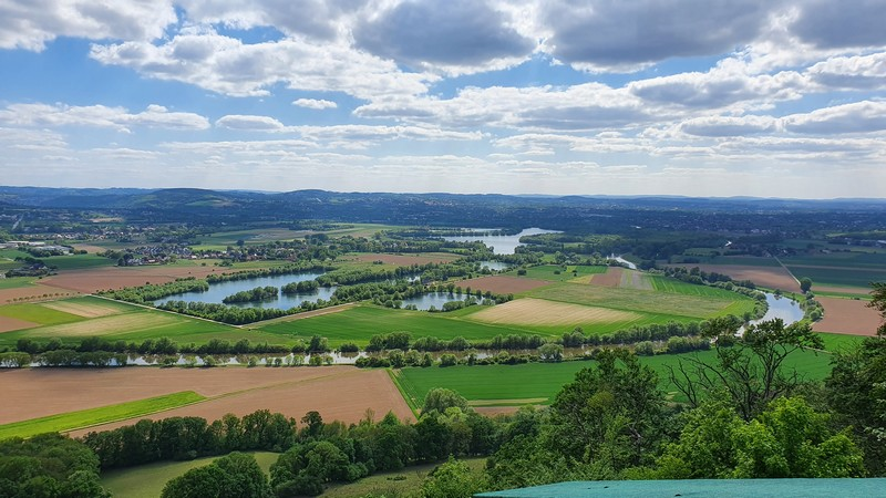 Unter anderem die Weser und die Seen in ihrer Schleife können wir hier bestens überblicken.