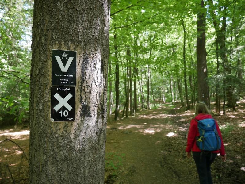 Ab jetzt folgen wir der Velmerstot-Route.