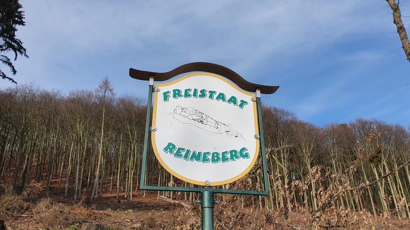 """Wir befinden uns im """"Freistaat Reineberg""""..."""