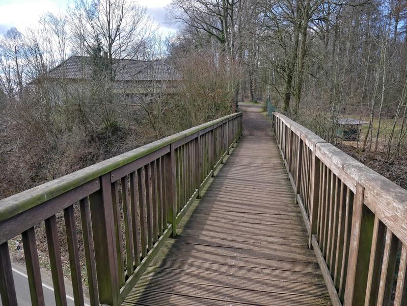 Die Windthorstbrücke markiert den Einstieg in unsere Wanderung auf dem TERRA.track Dorftraum.
