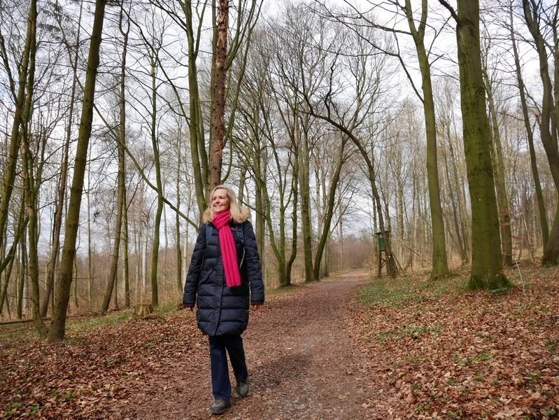 Im Anschluss geht es weiter über stille Waldwege.