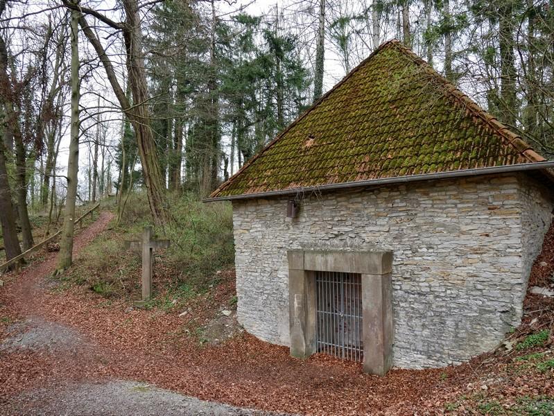 Das Mausoleum der Familie Uhden.